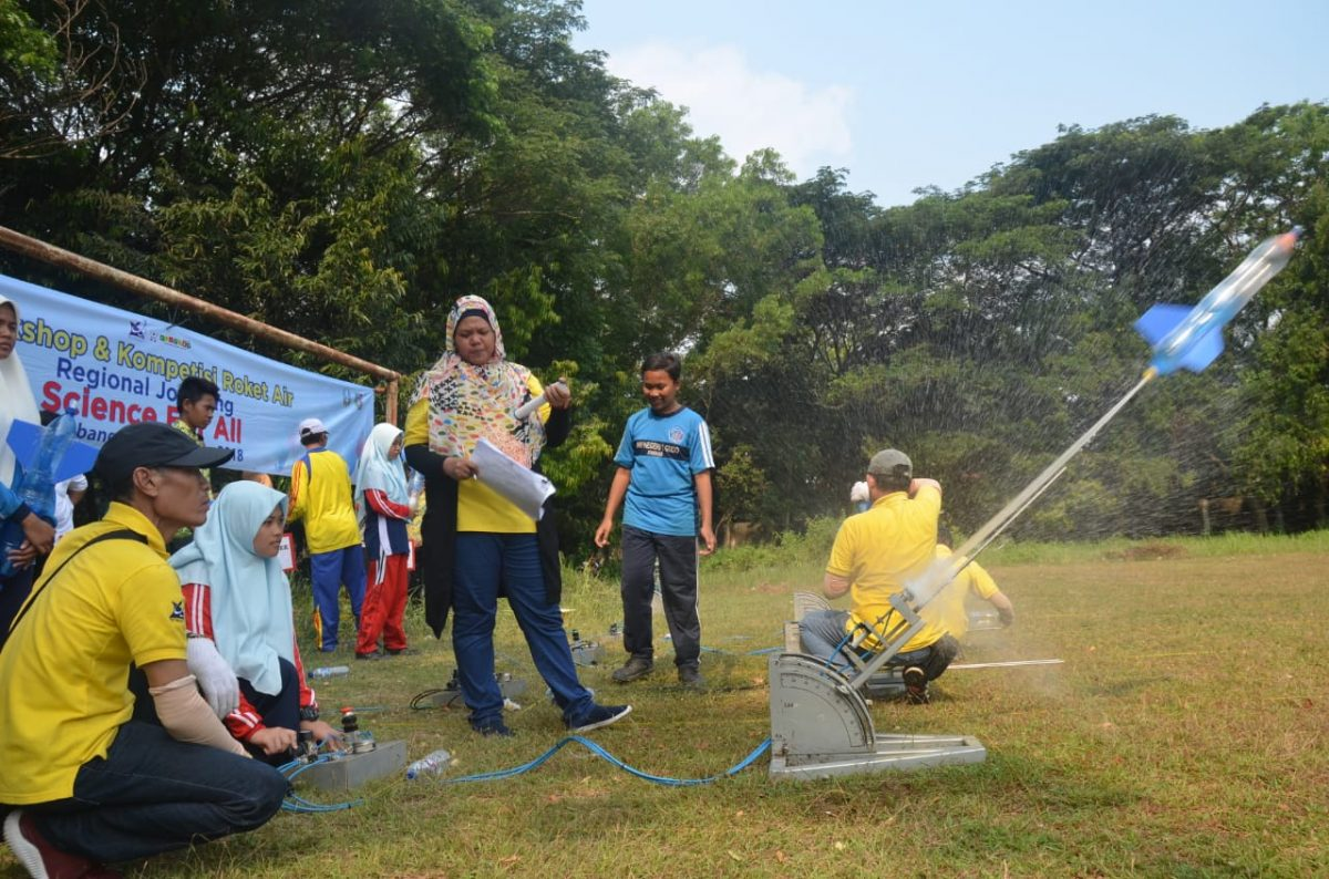 Ratusan siswa di Jombang ikuti Kompetisi Roket Air Regional (KRAR)