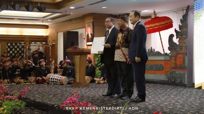 Kemenristekdikti Perkenalkan Rektor Asing Pertama di Indonesia